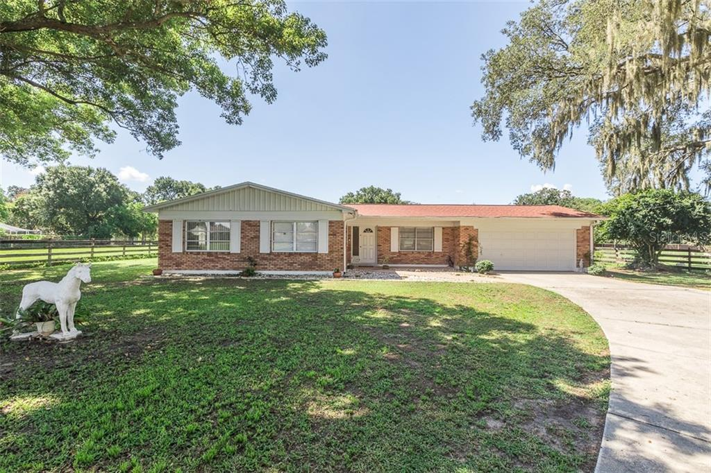 1215 E LUMSDEN ROAD Property Photo - BRANDON, FL real estate listing