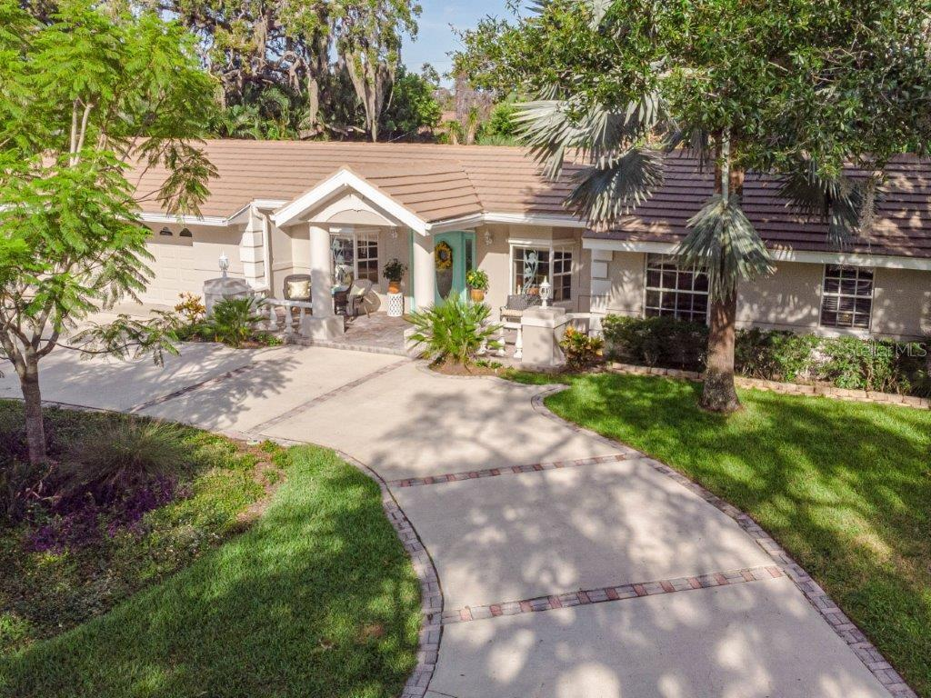 111 CRESTWOOD LANE Property Photo - LARGO, FL real estate listing