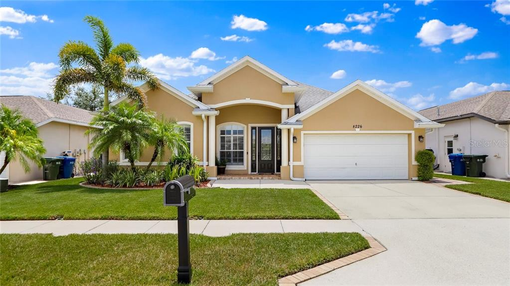 8226 WILD OAKS CIRCLE Property Photo - LARGO, FL real estate listing