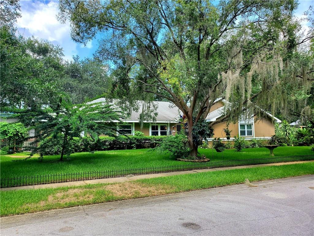 11304 CARROLLWOOD WEST PLACE Property Photo - TAMPA, FL real estate listing
