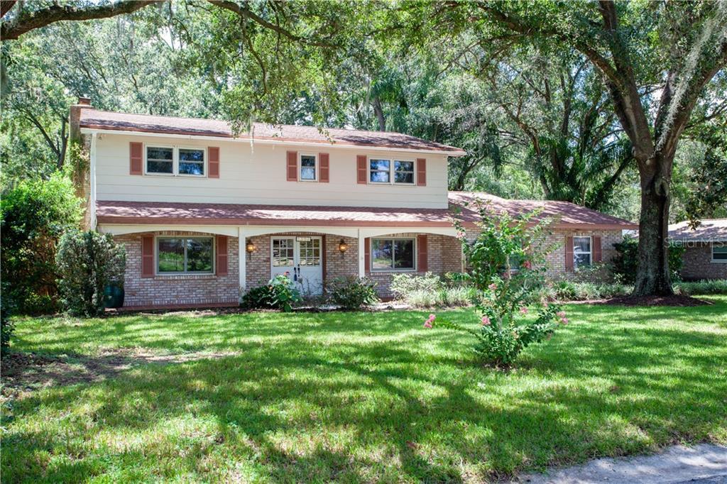 1302 WALLWOOD DRIVE Property Photo - BRANDON, FL real estate listing