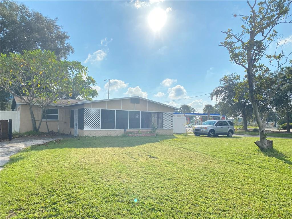 9501 49TH WAY N Property Photo - PINELLAS PARK, FL real estate listing
