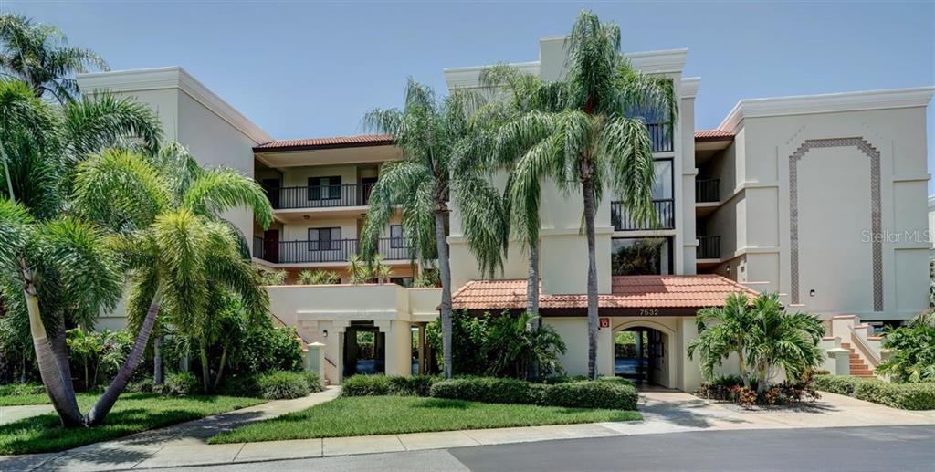 7532 BAYSHORE DRIVE #202 Property Photo - TREASURE ISLAND, FL real estate listing