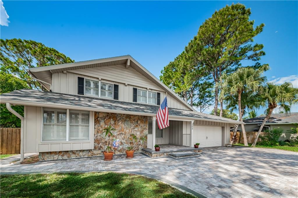 302 CROSSWINDS DRIVE Property Photo - PALM HARBOR, FL real estate listing