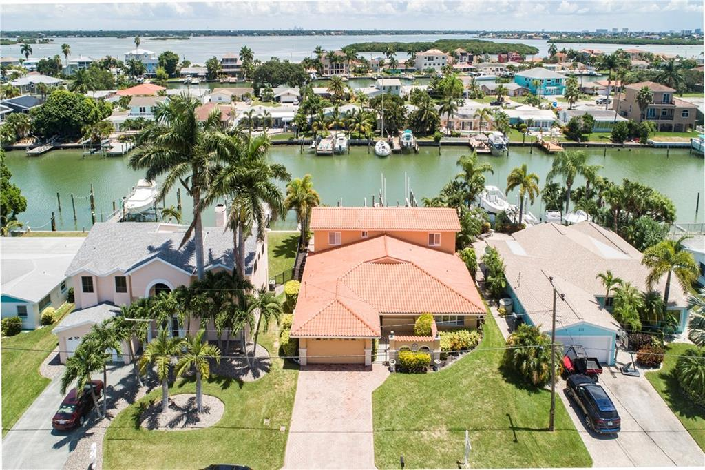 521 CRYSTAL DRIVE Property Photo - MADEIRA BEACH, FL real estate listing