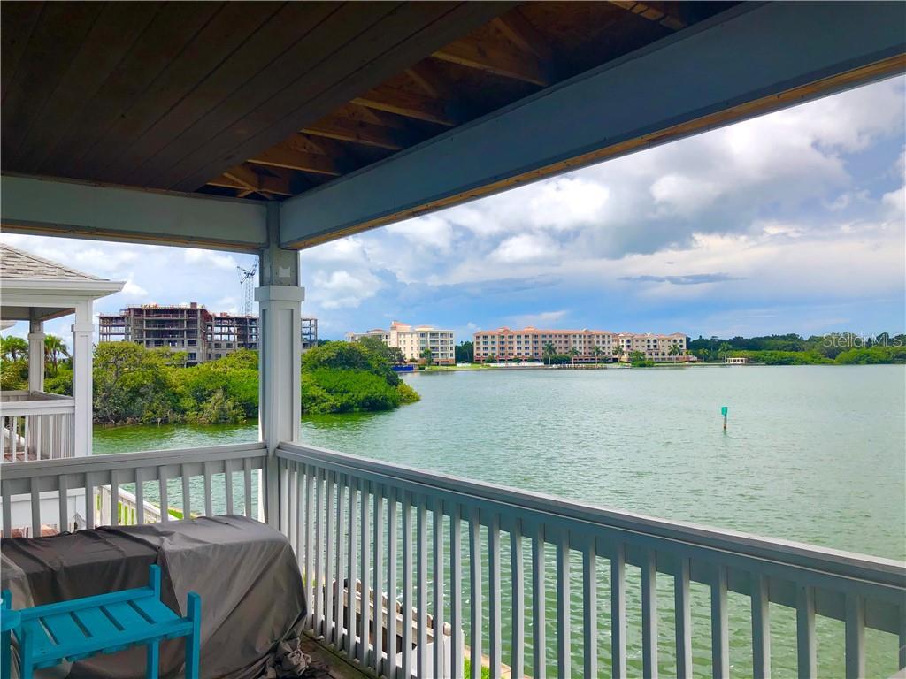 5271 Beach Drive Se #c Property Photo