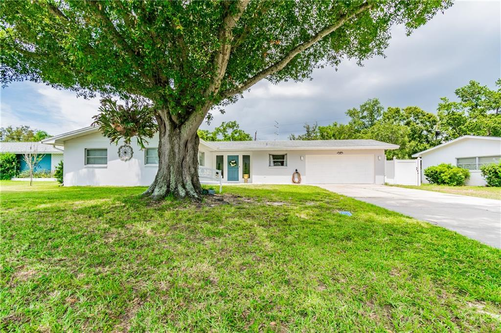 2188 CAMPUS DRIVE Property Photo - CLEARWATER, FL real estate listing