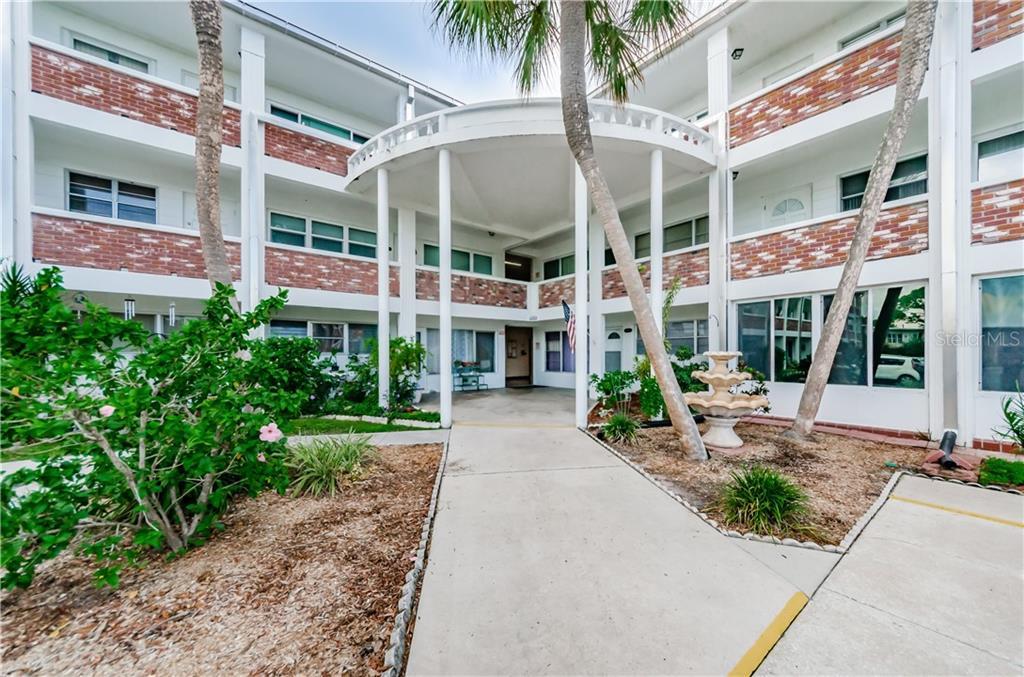 4300 58TH STREET N #2017 Property Photo - KENNETH CITY, FL real estate listing