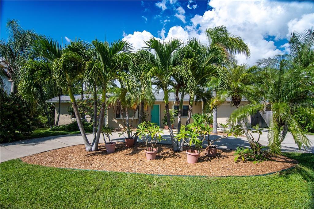 7105 S SHORE DRIVE S Property Photo - SOUTH PASADENA, FL real estate listing