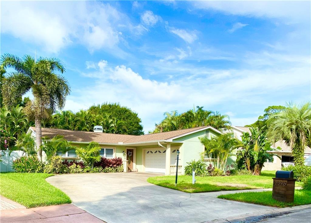 12396 IMPERIAL DRIVE Property Photo - SEMINOLE, FL real estate listing
