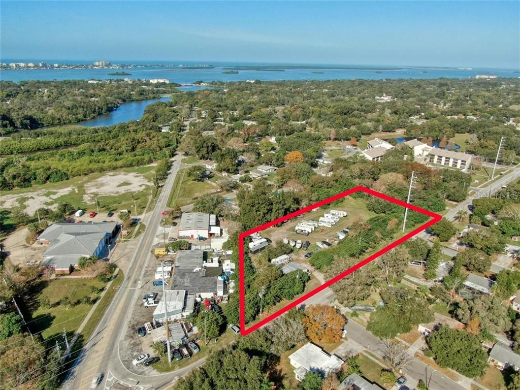 1718 N BETTY LANE Property Photo - CLEARWATER, FL real estate listing