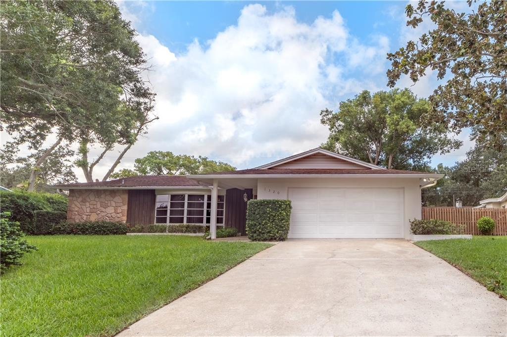 1320 VIEWTOP DRIVE Property Photo - CLEARWATER, FL real estate listing