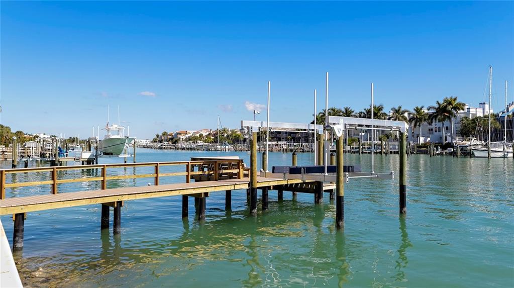 497 LAGUNA DRIVE Property Photo - TIERRA VERDE, FL real estate listing