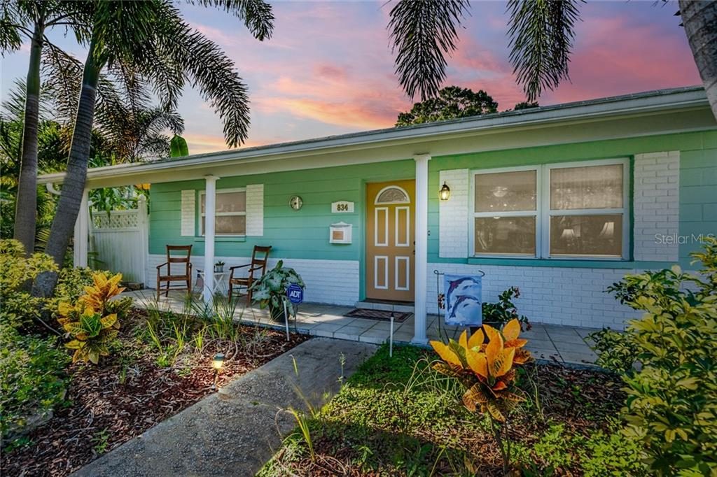 834 50TH AVENUE N Property Photo - ST PETERSBURG, FL real estate listing