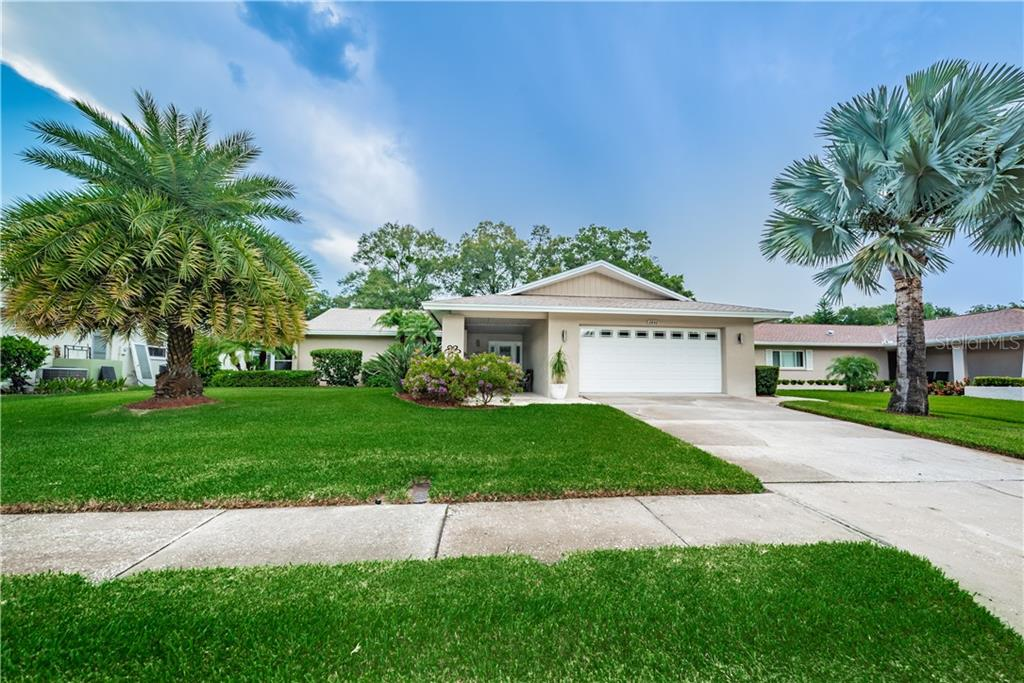 2842 WILDWOOD DRIVE Property Photo - CLEARWATER, FL real estate listing