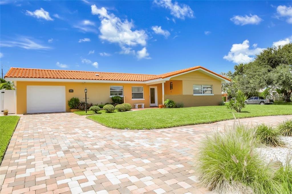 2304 BAYSHORE DRIVE Property Photo - BELLEAIR BEACH, FL real estate listing