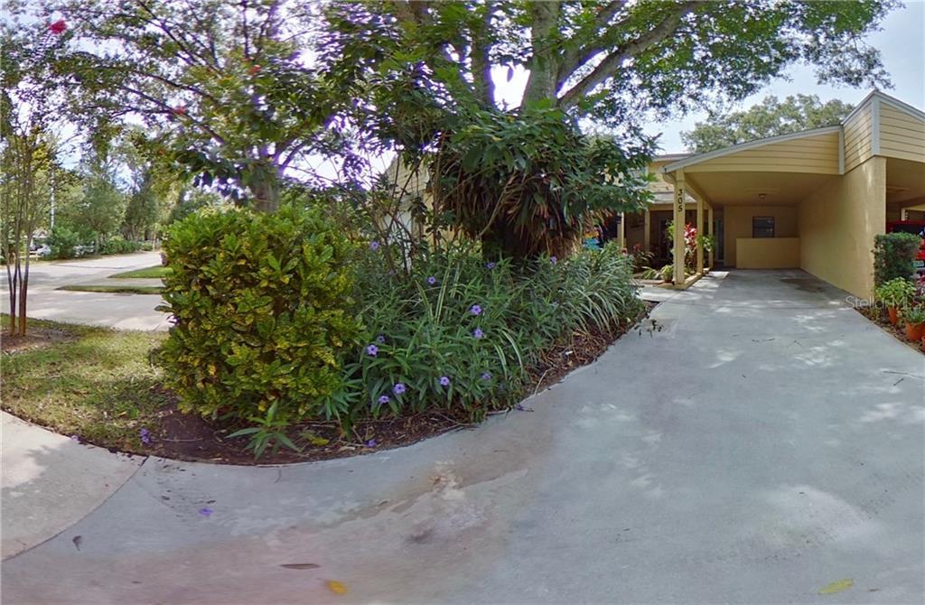 305 SOMERSET LANE Property Photo - PALM HARBOR, FL real estate listing