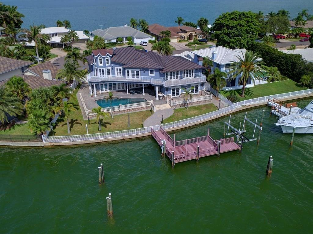 886 Harbor Island Property Photo