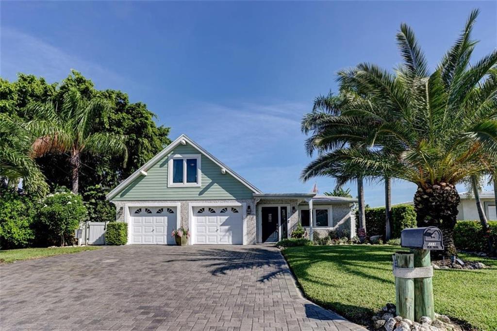 318 LA HACIENDA DRIVE Property Photo - INDIAN ROCKS BEACH, FL real estate listing