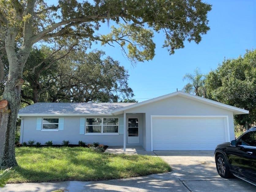 1749 SUNSET POINT ROAD Property Photo