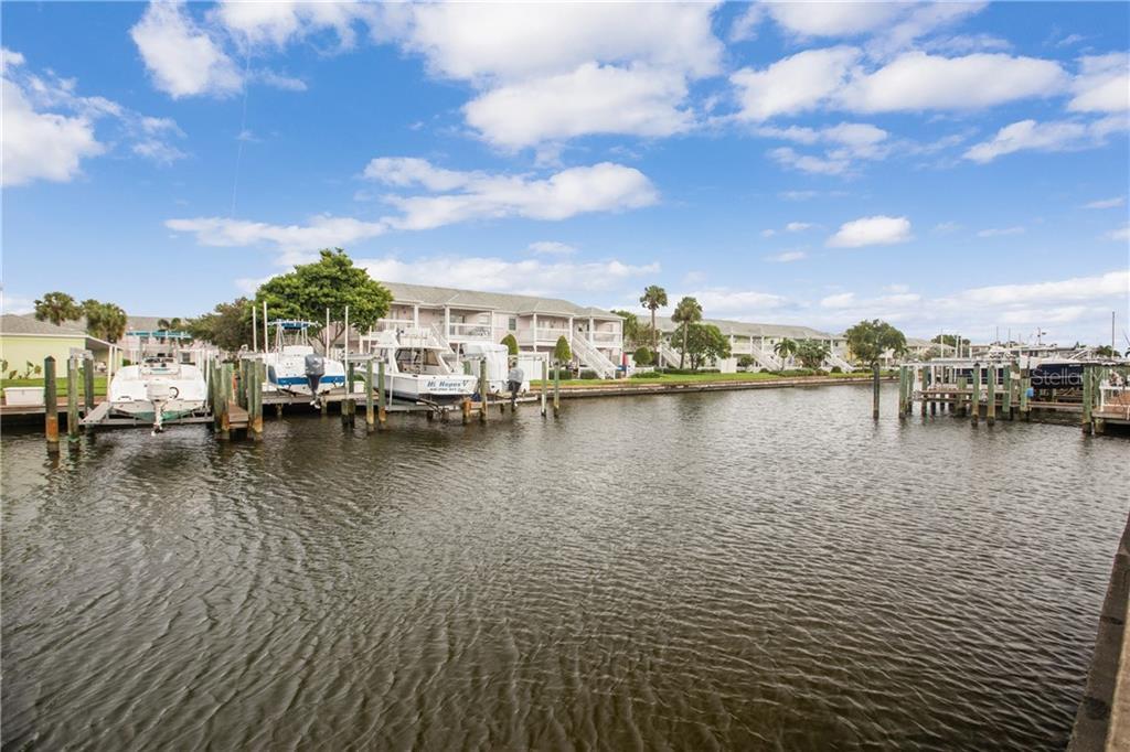 4784 Beach Drive Se #c Property Photo