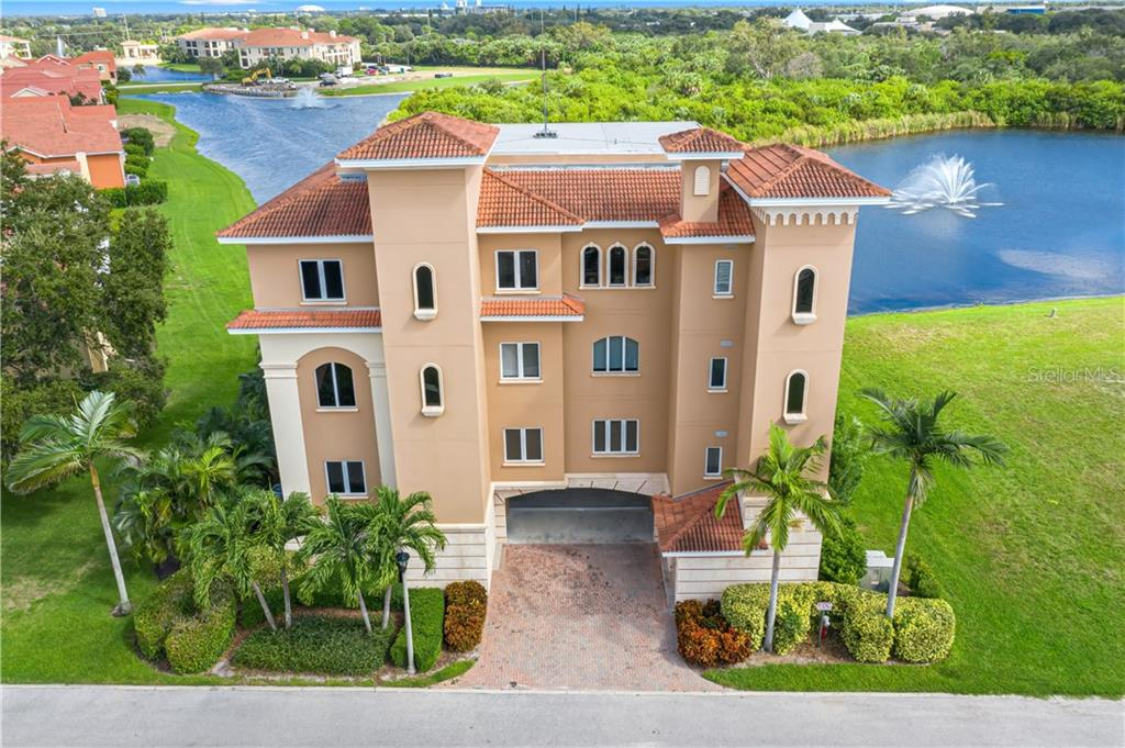 43 BAYVIEW COURT S #3 Property Photo - ST PETERSBURG, FL real estate listing