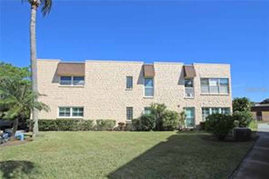 221 Cedarwood Circle #221 Property Photo