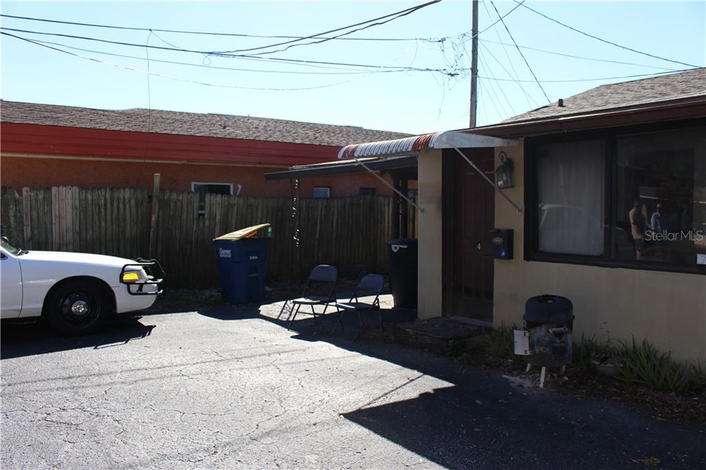 330 S Highland Avenue Property Photo