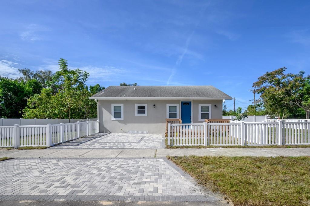 10710 Jasmine Avenue Property Photo