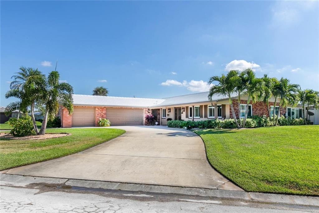 1000 79TH STREET S Property Photo - ST PETERSBURG, FL real estate listing