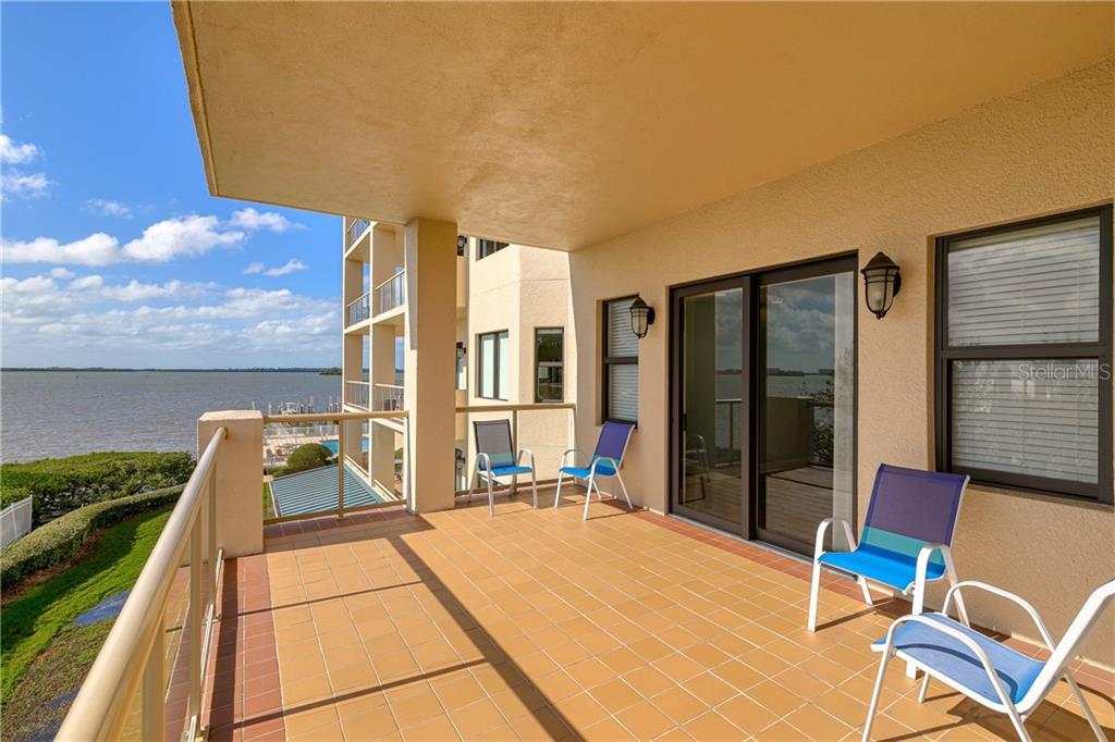 600 EDGEWATER DRIVE #304 Property Photo - DUNEDIN, FL real estate listing