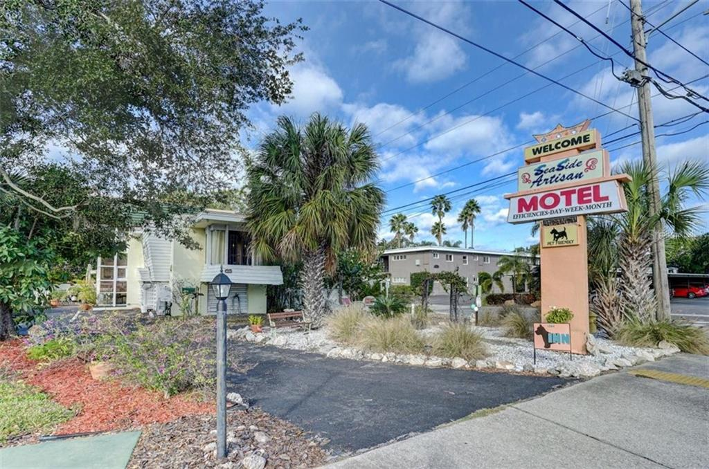 1064 BROADWAY Property Photo - DUNEDIN, FL real estate listing