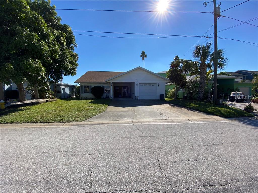 811 BAY POINT DR Property Photo - MADEIRA BEACH, FL real estate listing