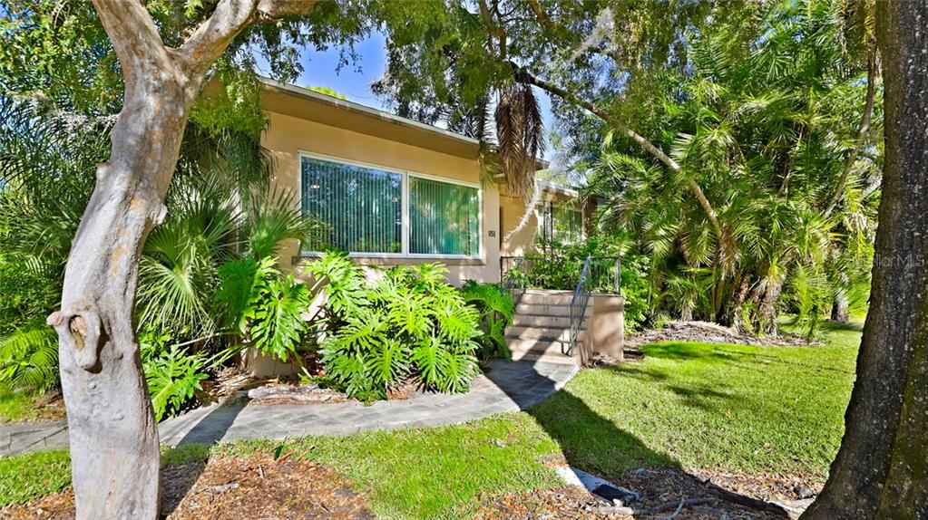 851 38th Avenue N Property Photo