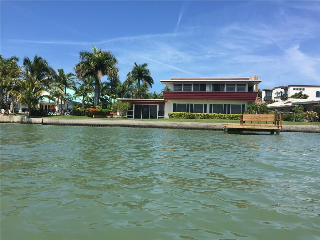 557 173RD AVENUE E Property Photo - NORTH REDINGTON BEACH, FL real estate listing