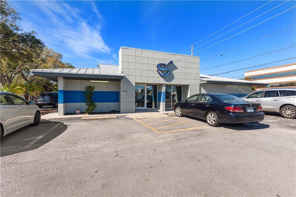 4000 Park Street N Property Photo