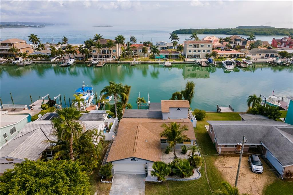 533 LILLIAN DRIVE Property Photo - MADEIRA BEACH, FL real estate listing
