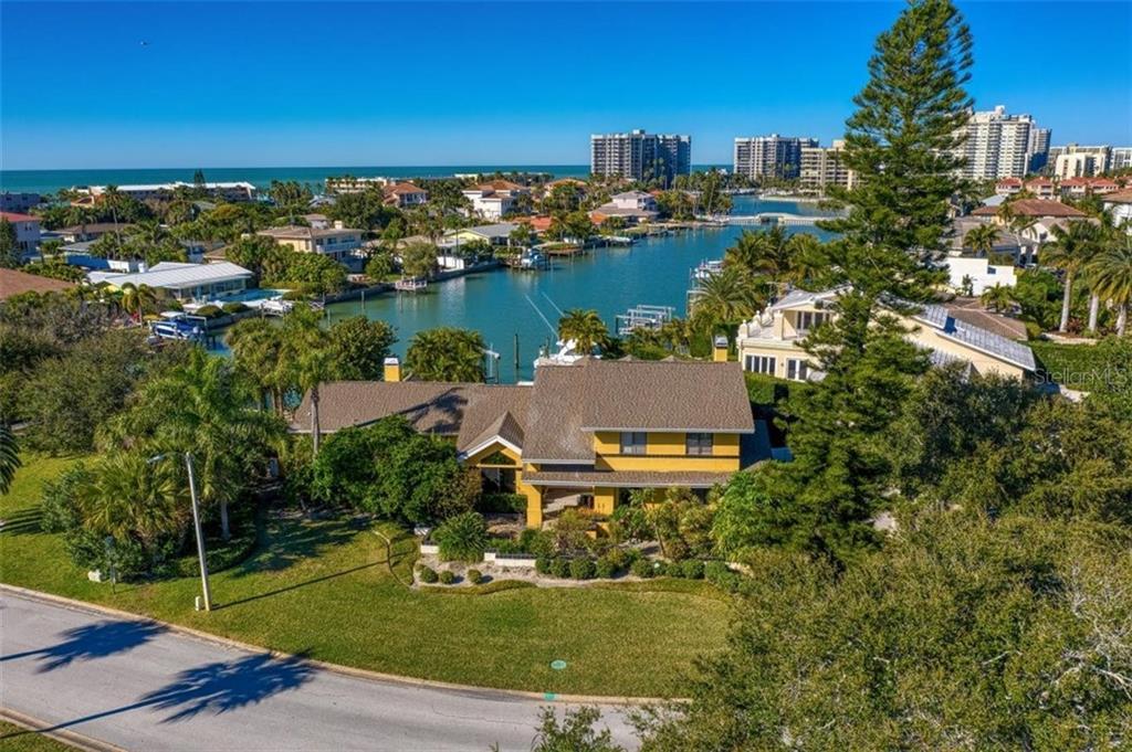 309 BELLE ISLE AVENUE Property Photo - BELLEAIR BEACH, FL real estate listing
