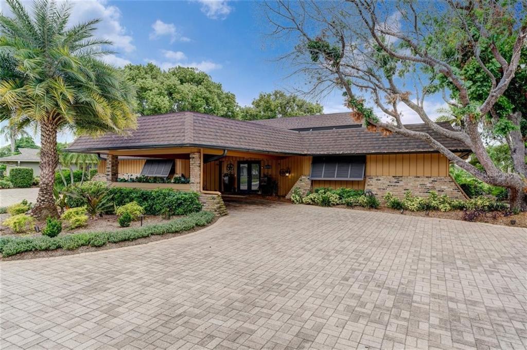 6594 Augusta Boulevard Property Photo