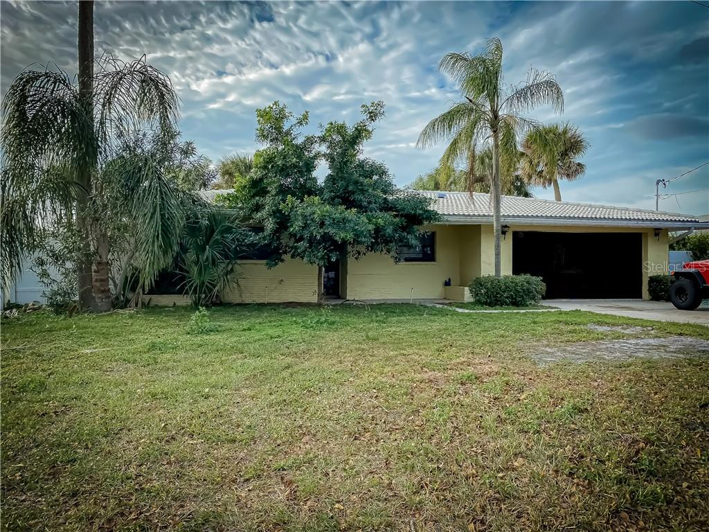 1913 GULFVIEW DRIVE Property Photo - HOLIDAY, FL real estate listing