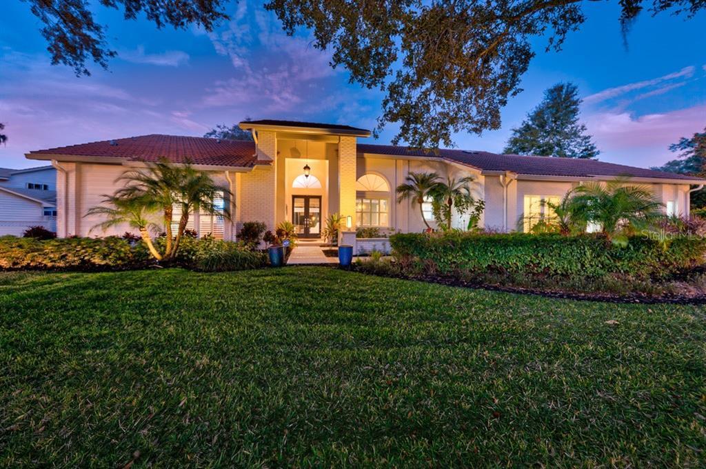 3561 Shoreline Circle Property Photo