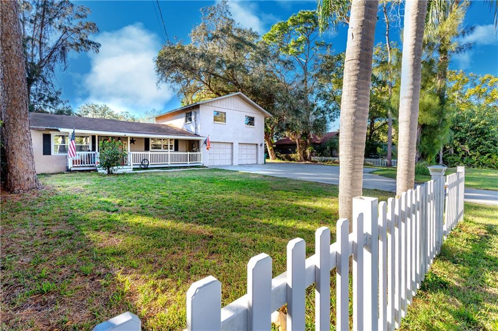 1940 OAK STREET Property Photo - CLEARWATER, FL real estate listing
