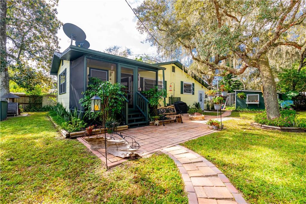 15203 OAK LANE Property Photo - NOBLETON, FL real estate listing