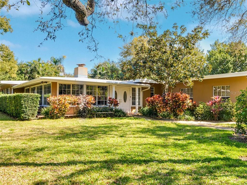 780 OAKRIDGE LANE Property Photo - BELLEAIR BLUFFS, FL real estate listing