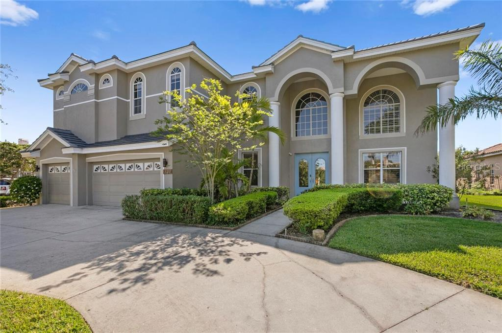 1229 DARLINGTON OAK CIRCLE NE Property Photo - ST PETERSBURG, FL real estate listing