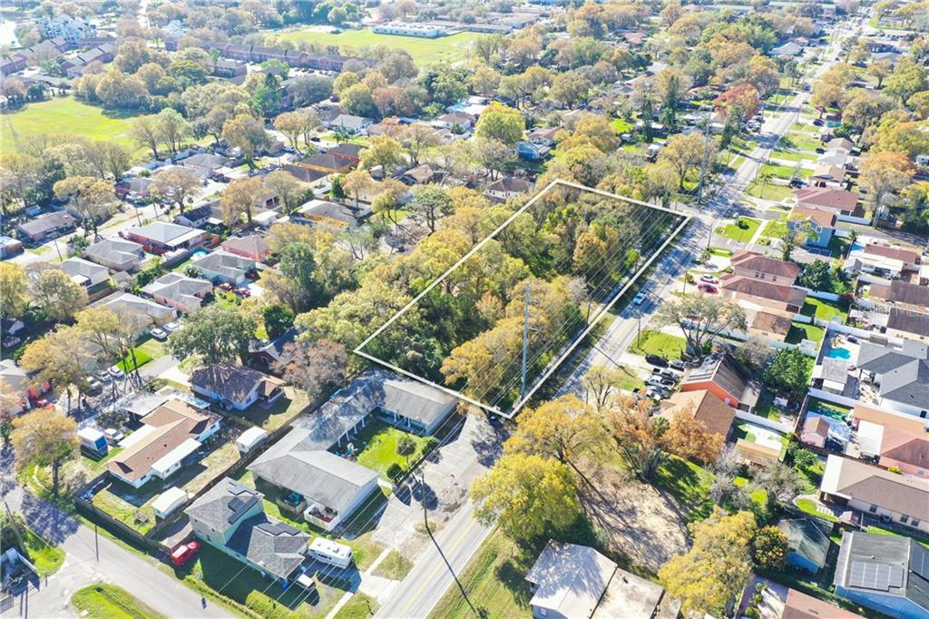 6915 N Himes Avenue Property Photo