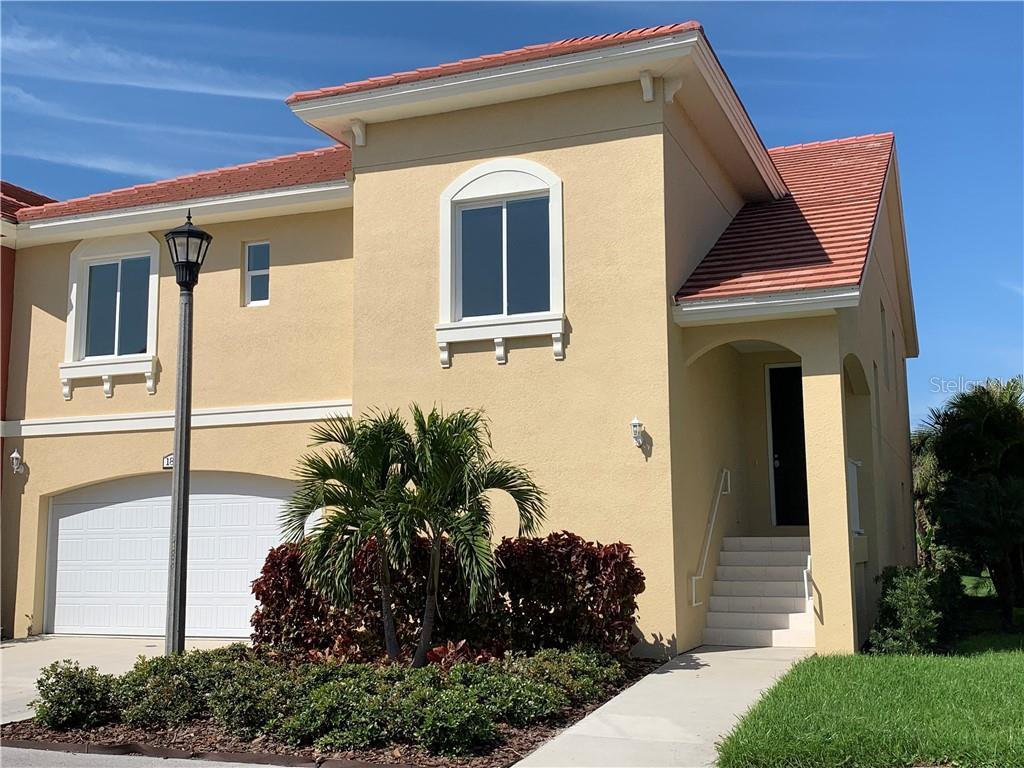 18 FRANKLIN COURT S #D Property Photo - ST PETERSBURG, FL real estate listing