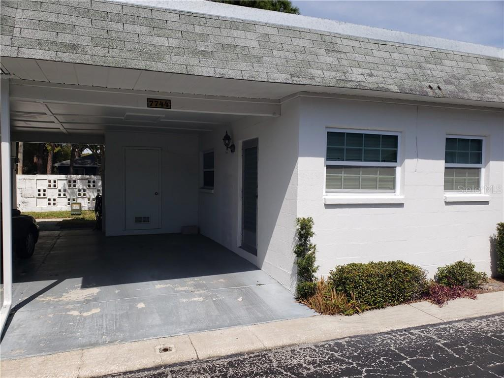 7744 39th Place N Property Photo