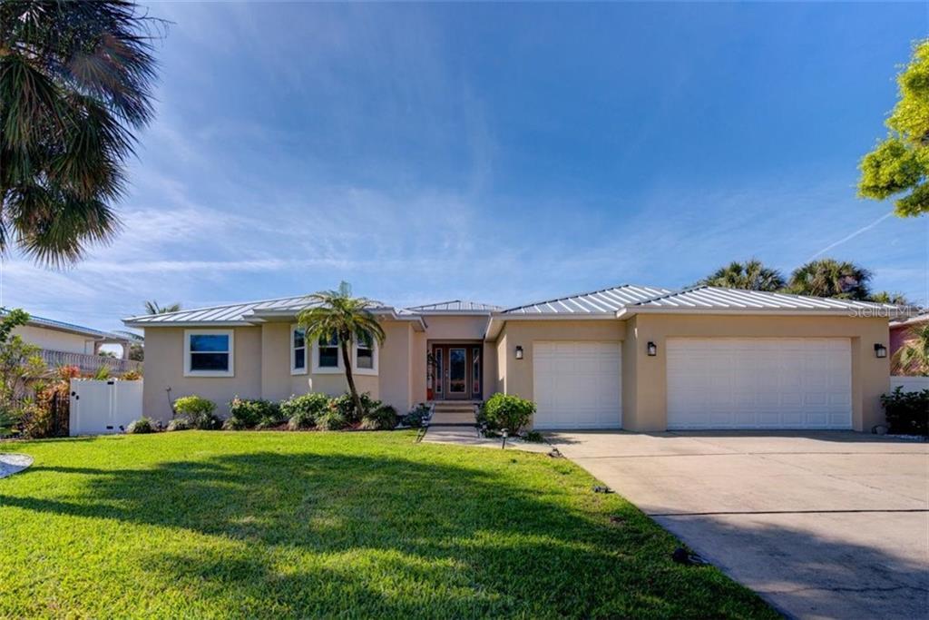102 16TH STREET Property Photo - BELLEAIR BEACH, FL real estate listing