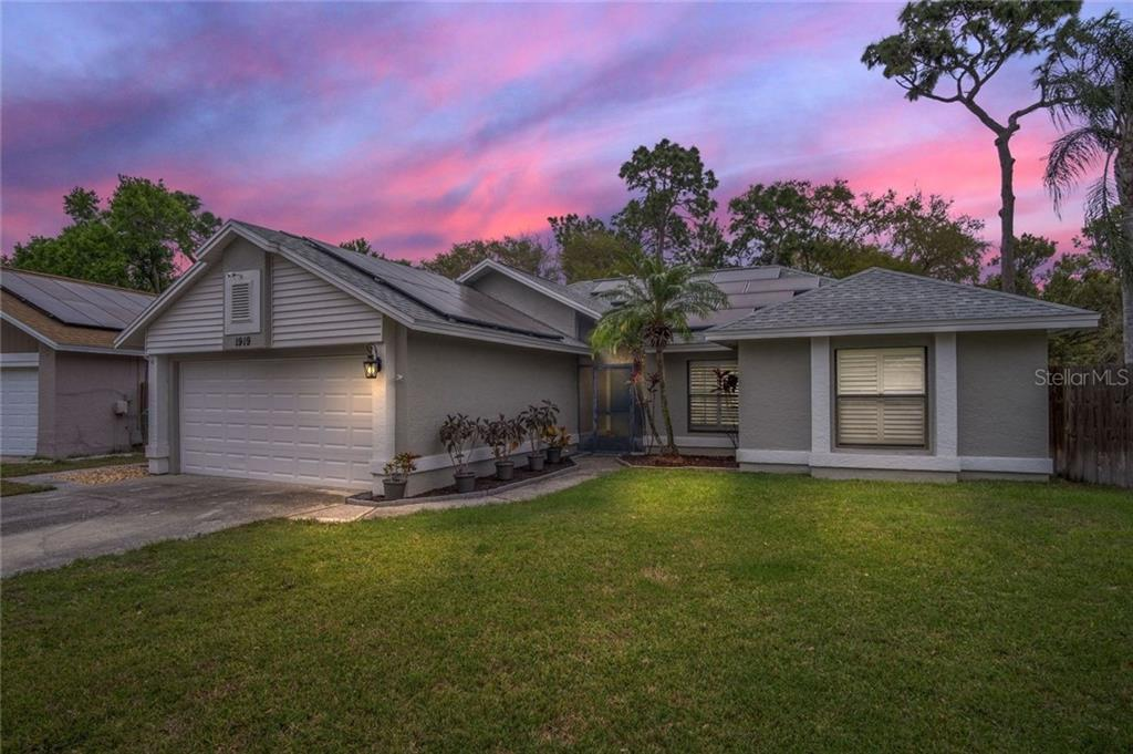 1919 COBBLESTONE WAY Property Photo - CLEARWATER, FL real estate listing